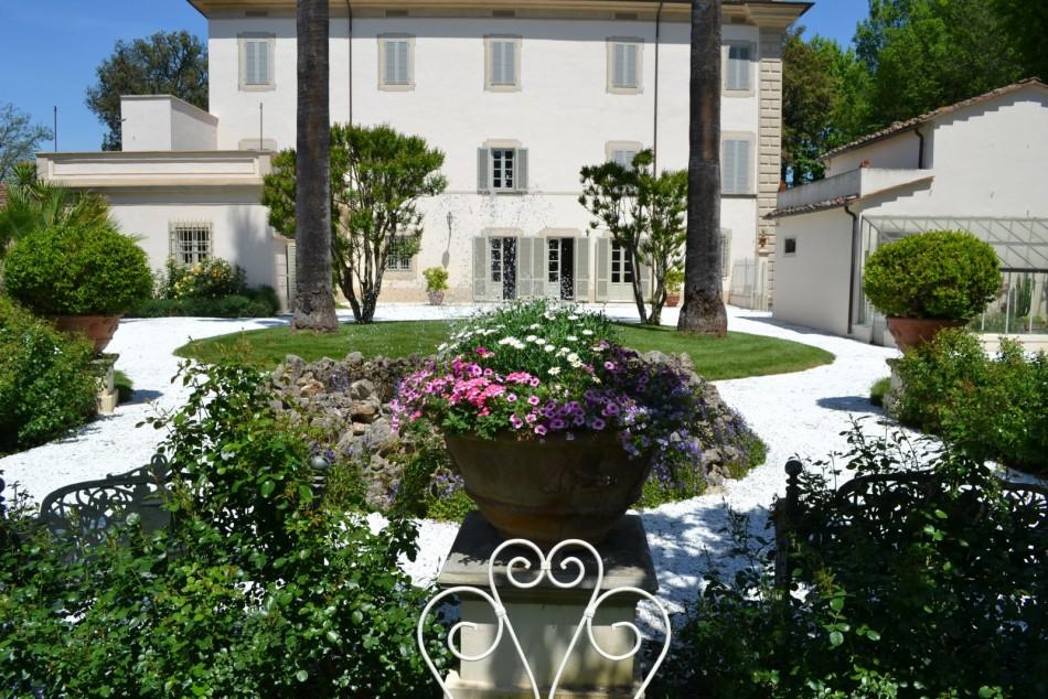 Esterni di ville great projekt domu simon g m koszt for Arredi esterni per ville